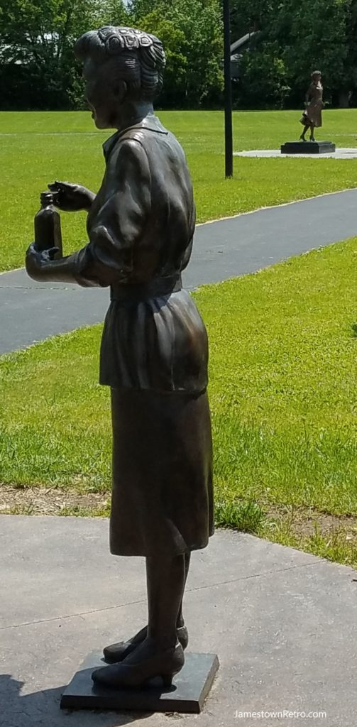 old and new lucy statue JR 2017